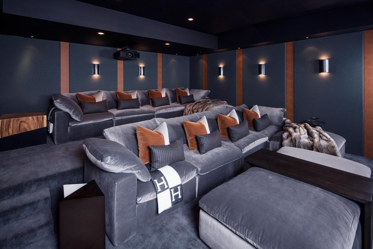 home-movie-theater-interior-design