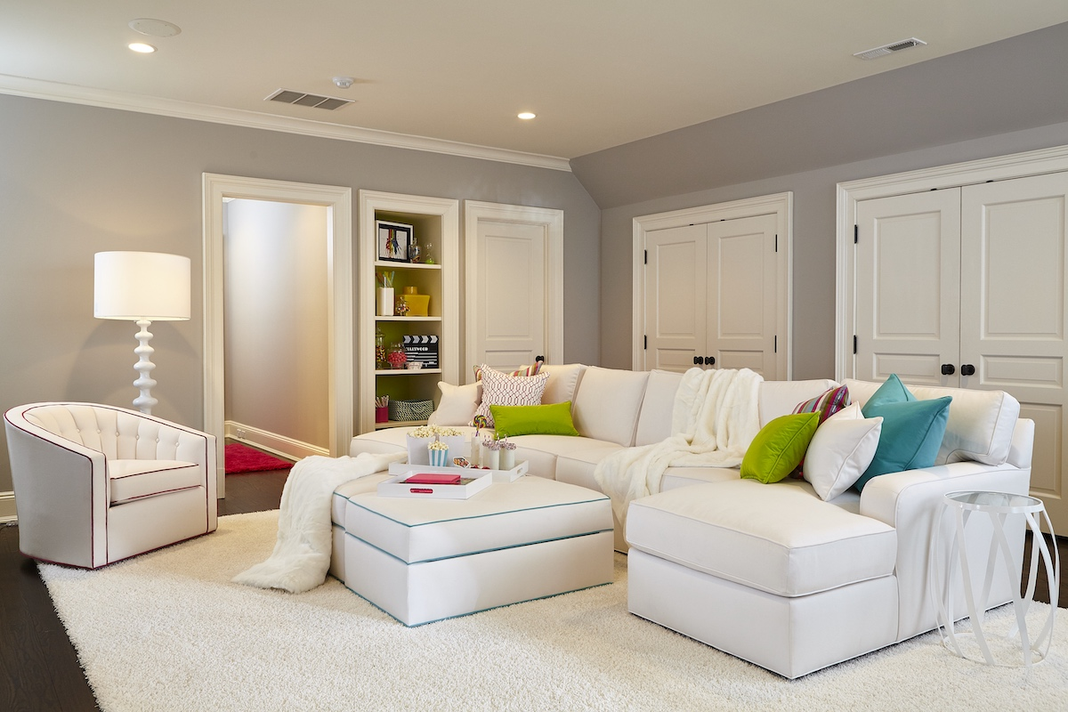 kids-media-play-room-white-couch-accent-pillows