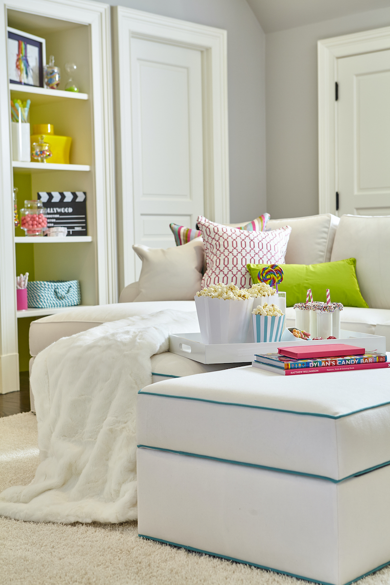 playroom-kids-interior-design-couch-built-in-shelves