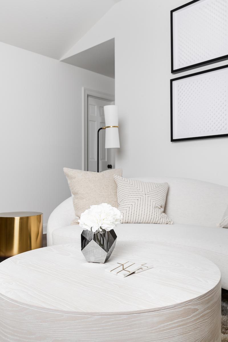 master-bedroom-interior-design-manuella-moreira-interiors-2